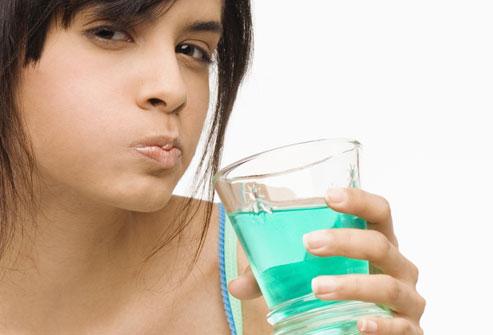 Полоскания полости рта опасны инсультом