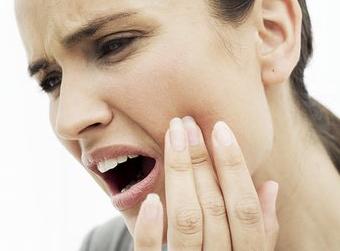 Как преодолеть зубную боль с помощью народной медицины