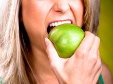 Современные продукты питания разрушают зубы