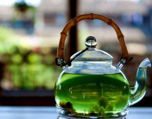 Окрашивает ли зубы зеленый чай?