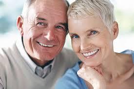 Удобства и риски имплантации зубов