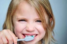 Зубная паста или гель для ребенка