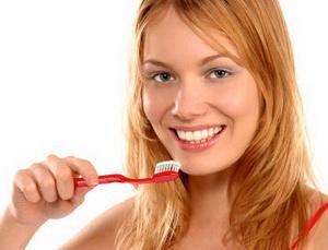Можно ли самостоятельно избавиться от зубного налета