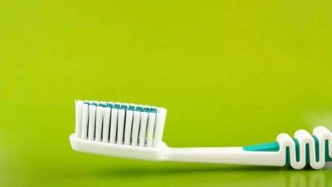 Какой должна быть зубная щетка