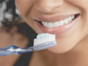 Зубная паста: так ли она важна