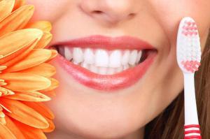Естественная белизна зубов, от чего она зависит