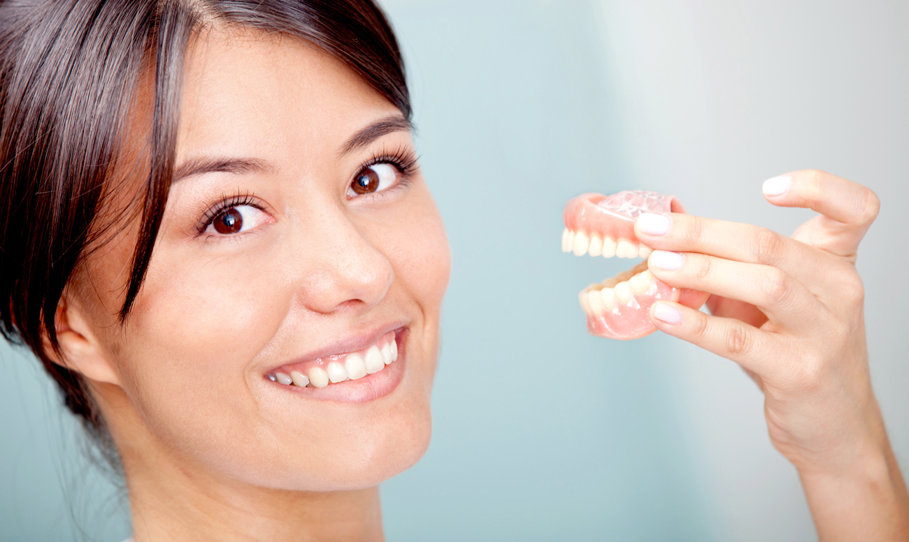 Протезирование зубов: разновидности и материалы