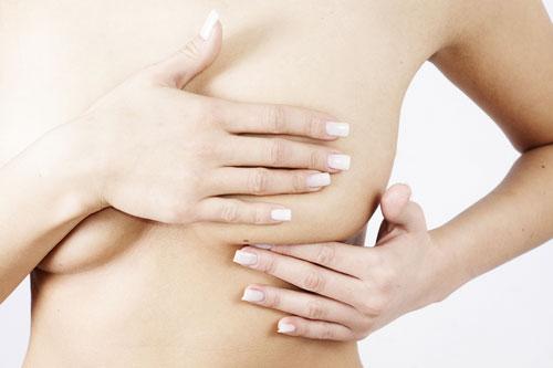 Как проводить самообследование молочных желез
