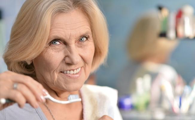Почему зубы стареют
