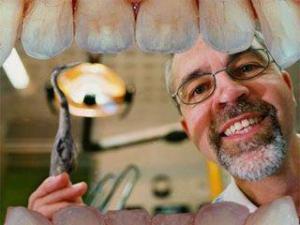 Стоматологи перестанут сверлить зубы!