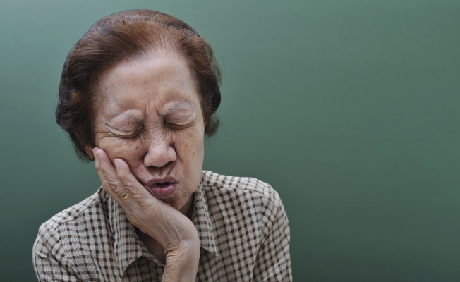 Сильно болит зуб: что делать