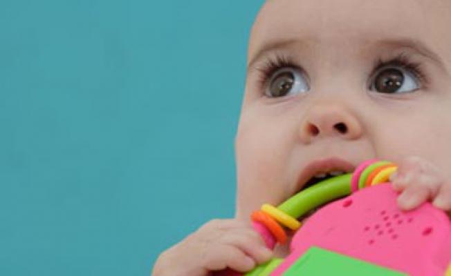 Как прорезаются зубы: симптомы