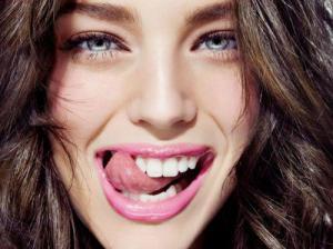Протезирование зубов: виды, преимущества и недостатки