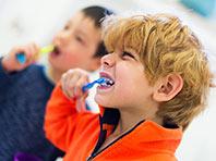 Селфи-видео научат людей правильно чистить зубы
