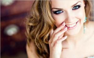 Пирсинг губ вреден для зубов и десен