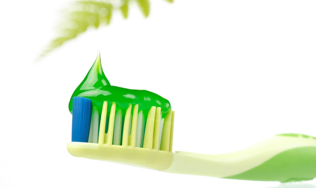 Натуральные компоненты в зубных пастах