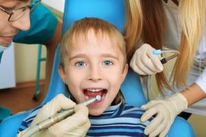 Кариес молочных зубов и его лечение