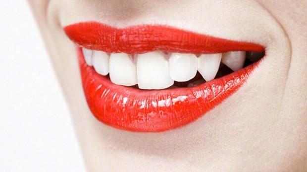 Молоко помогает сохранить белизну зубов