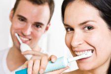 Человечество отказывается от обычных зубных щеток