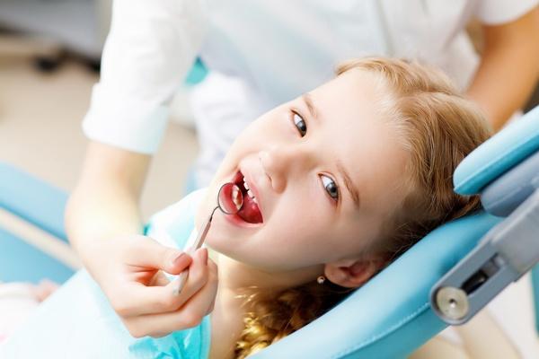 Всё о коренных зубах у малышей