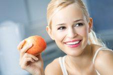 Здоровые зубы и белоснежная улыбка