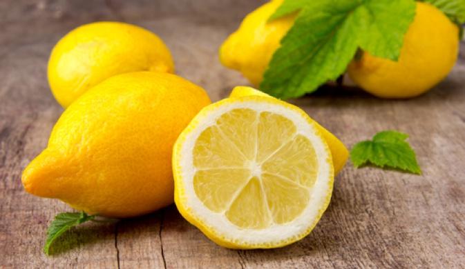 Могут ли лимоны повредить зубы?