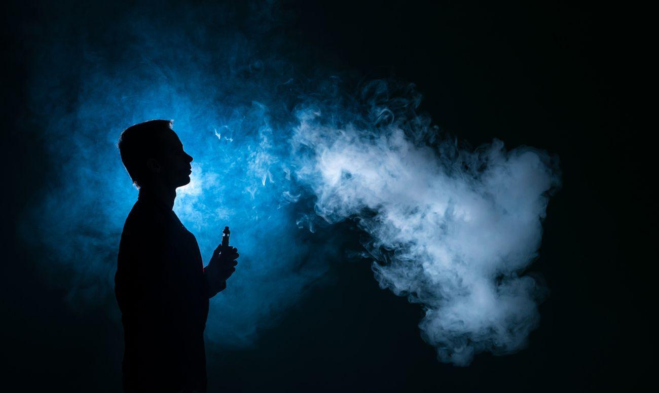 Электронные сигареты могут быть опасны для полости рта