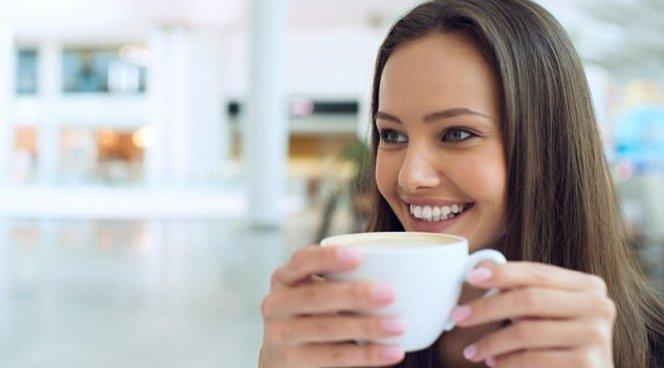 Любители кофе и вина могут сохранить белоснежные зубы