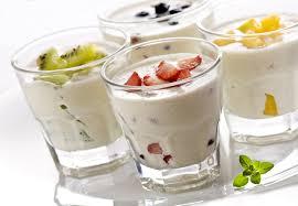Ученые установили, что люди, привыкшие часто есть йогурт, менее подвержены болезням пародонта
