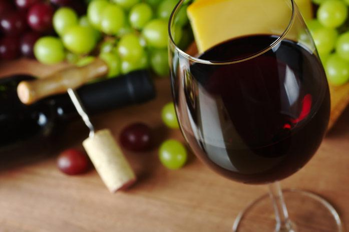 In vino veritas! или о пользе красного вина для здоровья зубов
