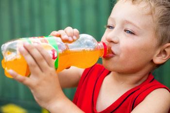 Газировка оставляет детей без зубов