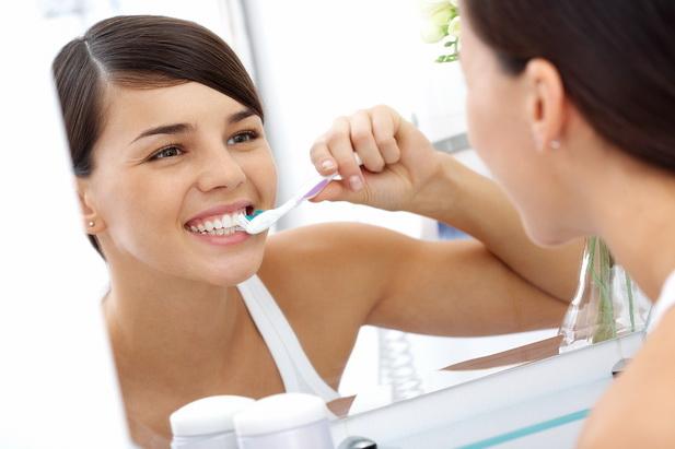 Залог здоровья: грамотный уход за зубами и деснами