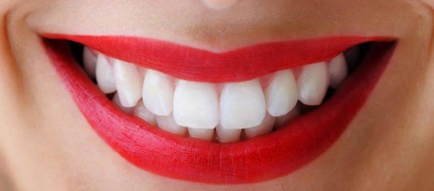 7 натуральных продуктов для отбеливания зубов