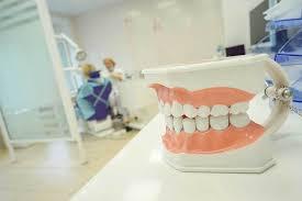 Исследование: болезни зубов преследуют людей на протяжении всей эволюции