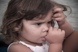 Новая книжка поможет детям избавиться от привычки сосать большой палец