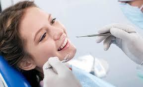 Стоматологи назвали правила ежедневной защиты зубов