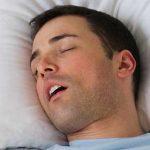 Ротовое дыхание во сне увеличивает риск развития кариеса