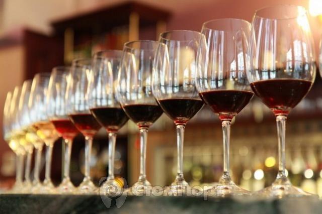 Вино повреждает эмаль гораздо быстрее, чем считалось ранее