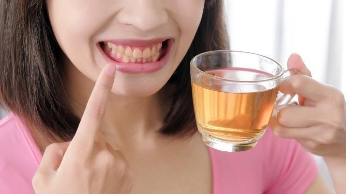 Употребление чая повышает риск эрозии зубной эмали