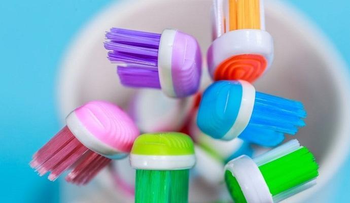 Как чистили зубы люди, жившие в разные времена?
