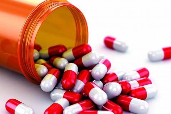 Антибиотики убивают полезные бактерии и усугубляют течение инфекций в ротовой полости