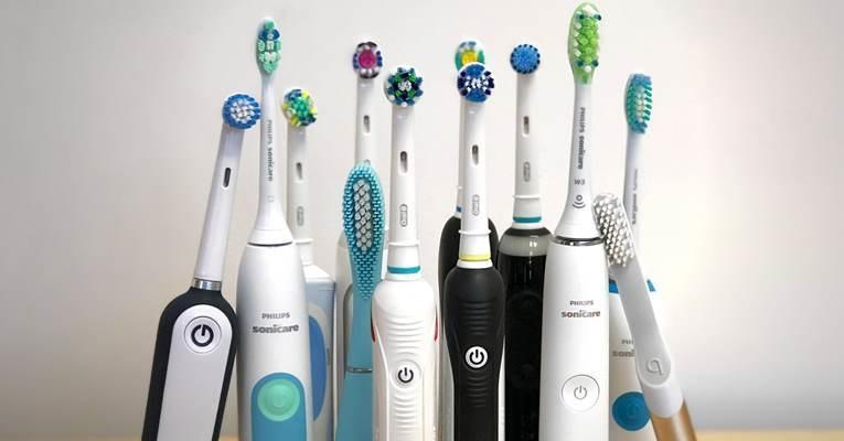 Использование электрических зубных щеток замедляет развитие пародонтита