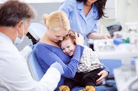 К стоматологу — за компанию с папой и мамой