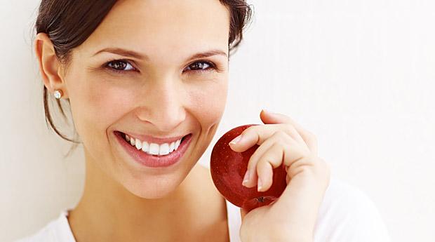 Топ-10 натуральных продуктов питания для здоровья зубов