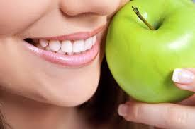 Отбеливаем зубы самостоятельно