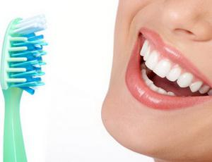 Осложнения, которые могут появиться после имплантации зубов