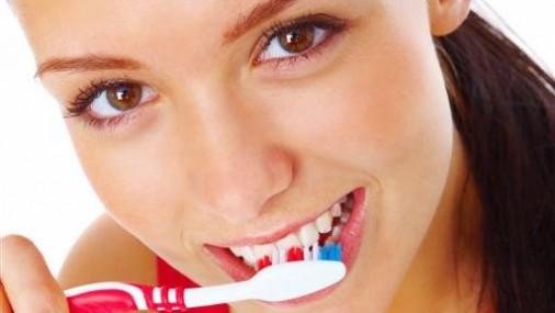 Миф о пользе чистки зубов после еды развенчан