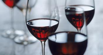 Красное вино уменьшает риск развития кариеса