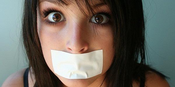 Как избавиться от дурного запаха изо рта домашними средствами