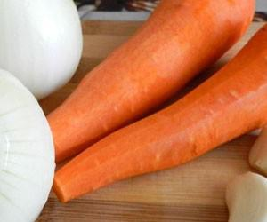 Календула, морковь, петрушка и яичный белок помогут при стоматитах